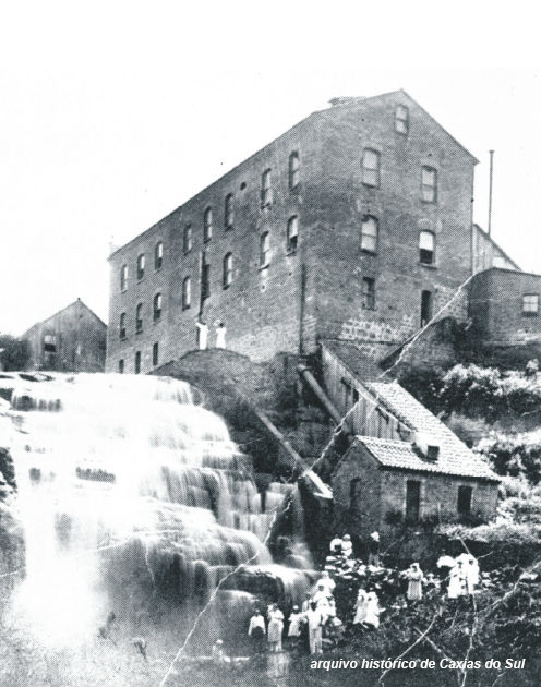 moinho da cascata - foto antiga.jpg