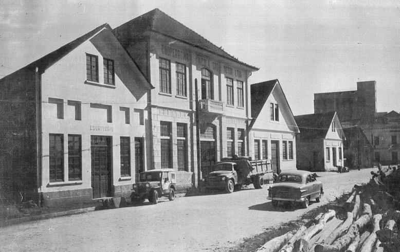 cooperativa-sao-victor-em-meados-dos-anos-1950-acerto-arquivo-historico