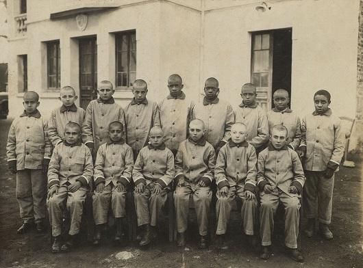 grupo de interns em 1930.jpg